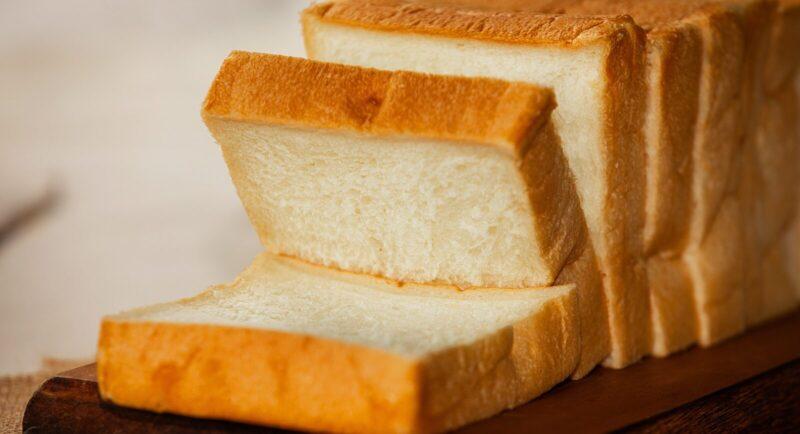 食パンとロールパンだけのお店